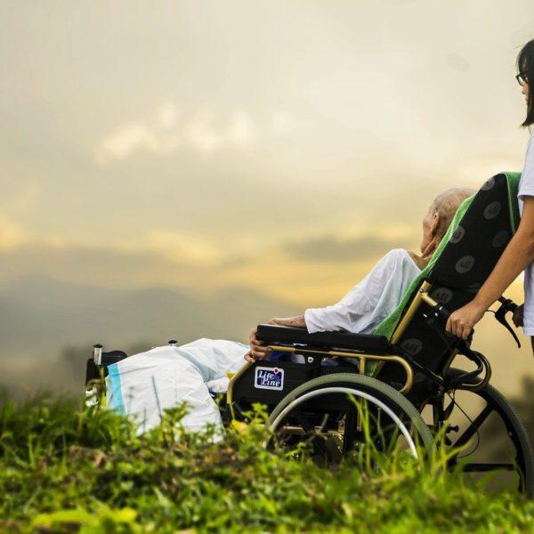 Quelles sont les aides à domicile dont peut bénéficier une personne âgée ?