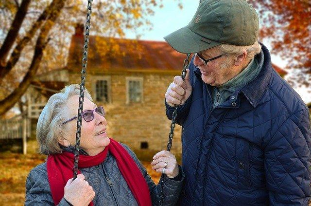 Quelles sont les aides dont peuvent bénéficier les personnes âgées ?