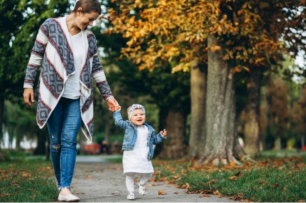 Garde d'enfants à domicile : quelles sont les aides disponibles